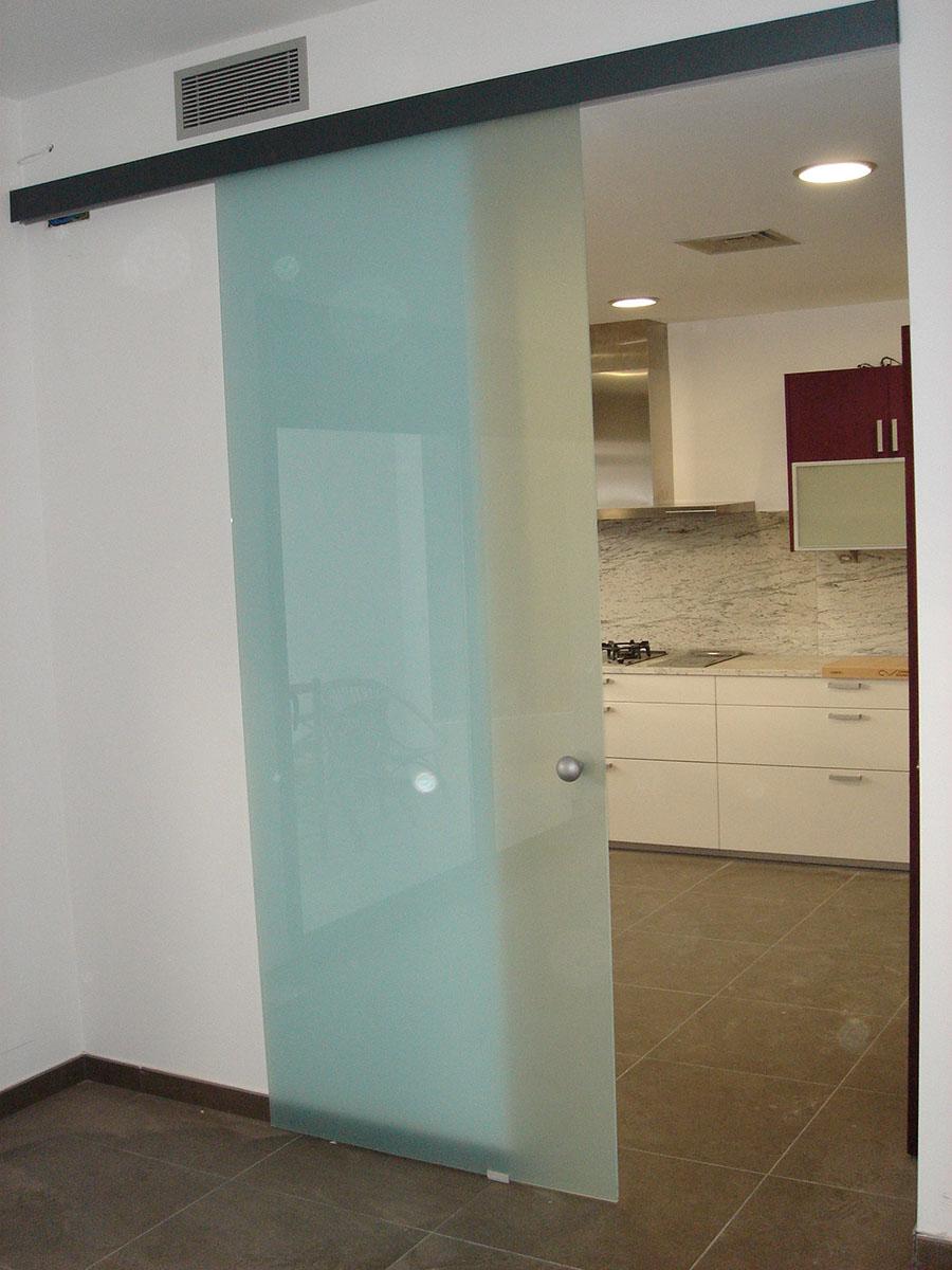 Puertas de cristal exterior ejemplo cerramiento de cocina for Puerta cristal exterior